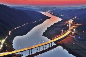 Bridge on River HD Wallpaper