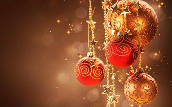 Christmas Red Ball Decor Full