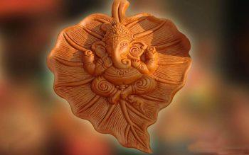 God Ganesha in Leaf Free Wallpaper Download for Ganesh Chaturthi