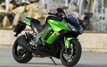 Kawasaki Z1000SX Sport Bike Wallpaper