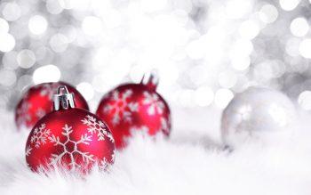 Red Ball Christmas Decor