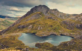 Beautiful Snowdonia National Park in UK HD Nature Wallpaper