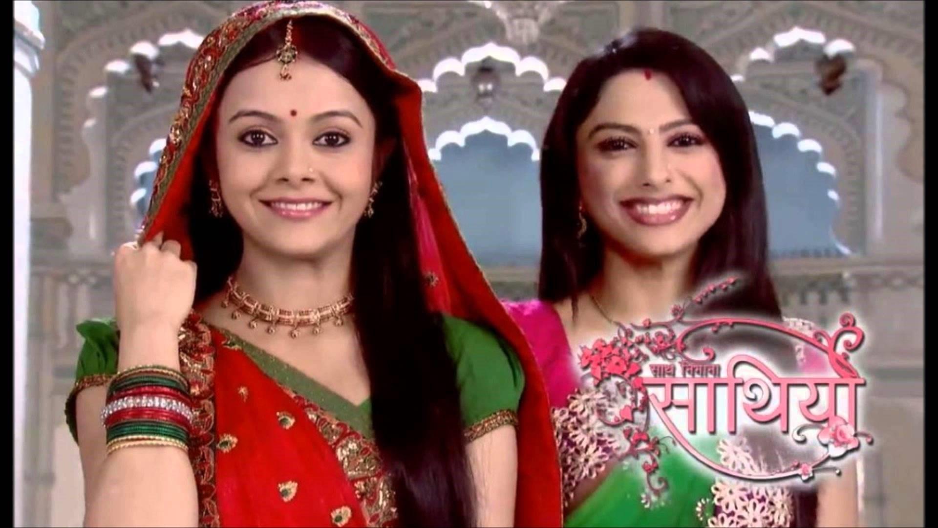 Giaa Manek as Gopi and Rucha Hasabnis as Rashi in Sath Nibhana Sathiya Hindi TV Serial Wallpapers. ««
