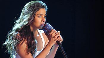 Alia Bhatt Singer 3D Wallpaper Download