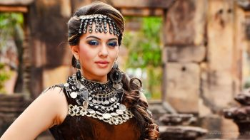 Puli Actress Hansika Full HD Wallpaper Download