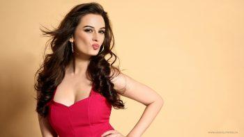 Evelyn Sharma Bollywood Actress