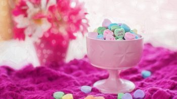 Valentine Love Hearts Candies HD Wallpapers For Android