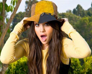 Selena Gomez Full Screen HD Wallpapers Download Selena Gomez Pop Singer Wallapaper