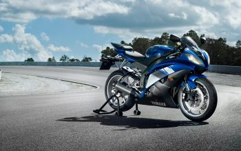 Yamaha Yzf R Wide
