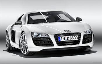 Audi R8 V10 Full HD Wallpaper Download